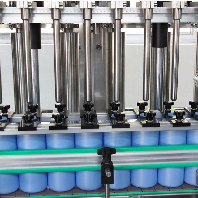 Oprema za samodejno polnjenje steklenic z razpršilnikom za roke